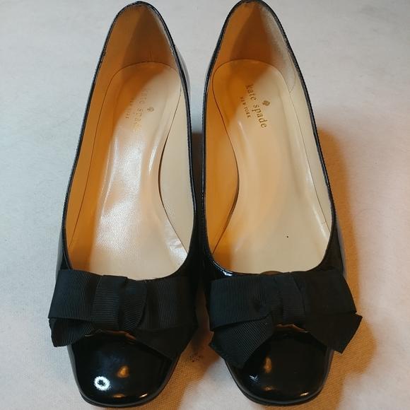 Kate Spade Black Patent Leather w Bow Block sz 9M
